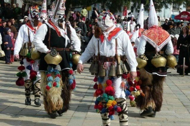 Festival des jeux de masques de Karlovo
