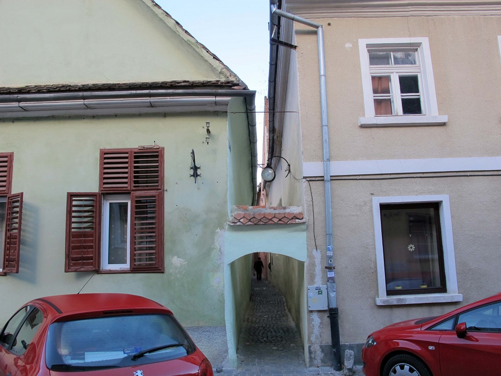 Strada Sforii - the smallest street in Eastern Europe